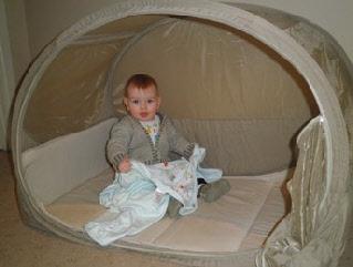 samsonite pop up bubble travel cot travel with tots. Black Bedroom Furniture Sets. Home Design Ideas